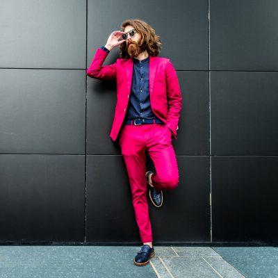 roter Anzug maßgeschneidert